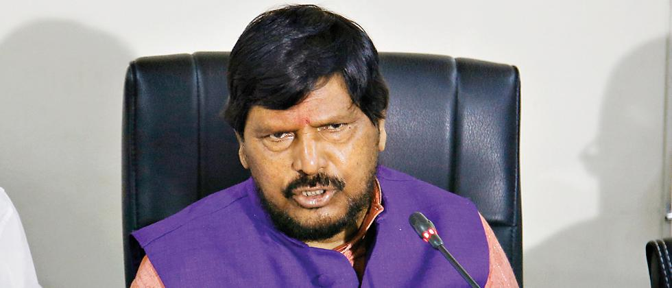 Uddhav should think about Maharashtra CM post, not inexperienced Aaditya: Athawale