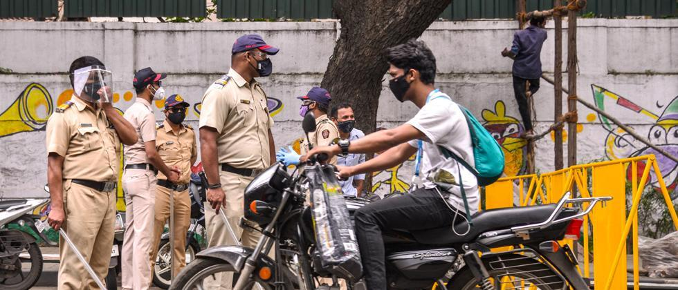 Pune: Police recover Rs 48 lakh from vehicle owners for violating lockdown