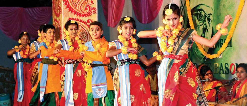 The Bengali community of Pimpri-Chinchwad celebrated the festival of spring 'Basant Utsav' at Tirumal Pillai Sanskriti Bhavan at Pimpri on Sunday