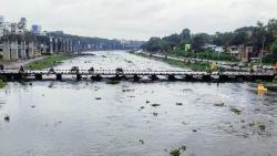 Pune monsoon alert: Traffic police start barricading Baba Bhide Bridge in Deccan; Khadakwasla dam discharge at 7,276 cusecs
