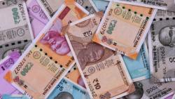 Rupee falls 19 paise to 75.90 against US dollar