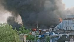 Mumbai: Fire at scrap compound in Mankhurd
