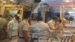 Pune: Five men donning police uniform, loot jewellery store at Bhor
