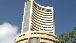 Sensex gains nearly 800 points on positive global cues