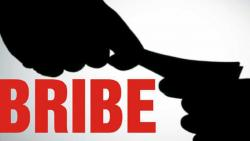 Pune police officer caught taking bribe of Rs 5 lakh by ACB