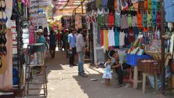 Fashion Street hawkers move court over vacation notice