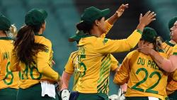 Australia prevail over SA; to meet India in final