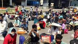 SC pulls up Maharashtra govt on migrant workers issue