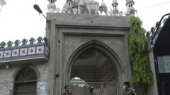 Pakistan succumbs to pressure from hardline clerics; to allow condition prayers in mosques during Ramzan