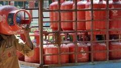 Punekars queue at LPG suppliers' office despite COVID-19 lockdown