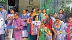 Over 50 residents of Shriniwas Serene County Phase 2 Cooperative Housing Society located near Dhayari Phata reached the office of Darode Jog Properties on Apte Road on Monday demanding a solution to the road problem.