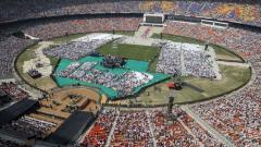 Over a lakh turn out at cricket stadium to hear Trump, Modi