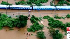 Rlys remembered for brave rescue of stuck passengers