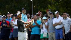 Woods shoots 68, moves to T-16; Ancer leads