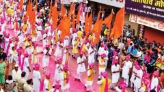Every year, all the corners of the city including some major roads such as Laxmi Road, Tilak Road, Karve Road to name a few witnesses the dhol pathaks performing their play on the last day of the 10-day festival.