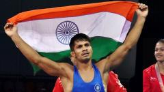 Aware strikes gold for biggest medal of career, Babita settles for silver
