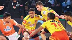 Fortunegiants maintain supremacy over Puneri Paltan