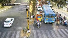 Pune Police hold two-way traffic plan on FC road