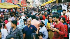Shoppers take advantage of holiday before Diwali
