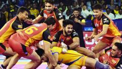Raider Wazir Singh of Haryana Steelers in action during their match against Telugu Titans in Jaipur on Saturday.