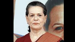 Sonia Gandhi meets senior leaders on Maharashtra goverment formation