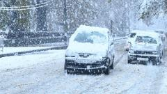 Heavy Snowfall Disrupts Life Across Kashmir