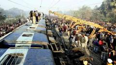 7 killed as 11 coaches of Seemanchal Express derail in Bihar
