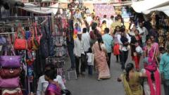 Pune: Crowds swell in marketplaces on eve of Ganesh Chaturthi