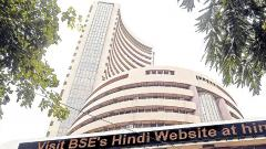 Sensex extends slide to 9th session; IT stocks drag