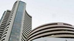 Sensex skids 318 pts as weak earnings weigh; Yes Bank plunges 13 pc