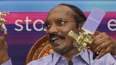 Scientists to take up crucial soft landing