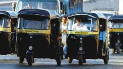 Pune: Auto rickshaw drivers install isolating sheets for safe travel