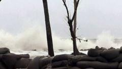Cyclone 'Maha' may weaken before Thursday landfall on Gujarat coast