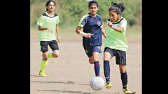 Angel Mickey Mini hit four goals past Lokseva