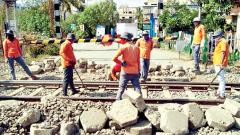 Pune Railway Division carries out maintenance work amid coronavirus lockdown