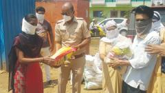 Pune traffic cops, NGOs ensure food for needy during coronavirus lockdown