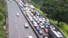 Mumbai-Pune Expressway: Traffic jams return due to police scrutiny on e-pass
