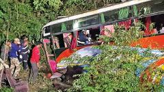 Five killed in a bus accident near Khopoli