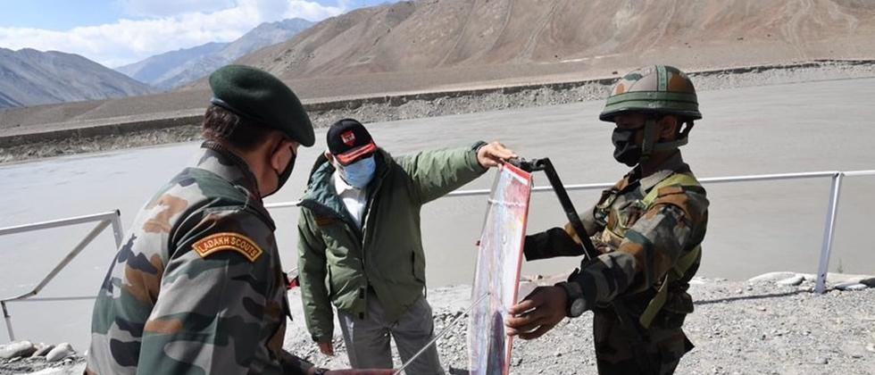 Modi Getting Information from Army Officers