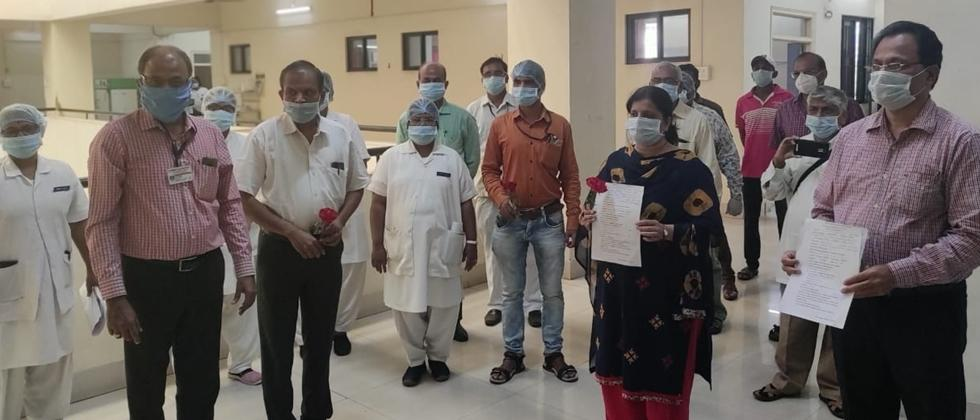First Corona Positive Couple Freed from Hospital in Pune
