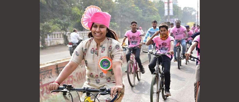 Meghana Bordikar rides Cycle