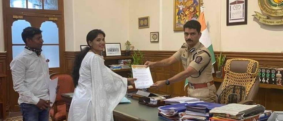 karuna munde says she is social workers and may be join politics