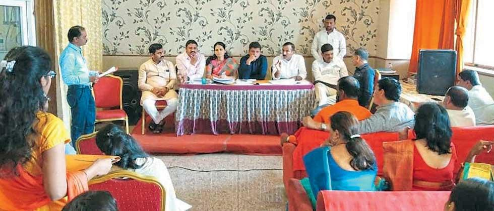 officers present at bjp meeting called by bala bhegade