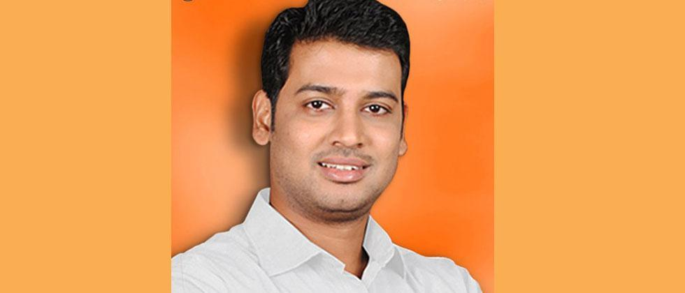 Shiv Sena MP doctor in Thane; The controversy erupted over the compounder