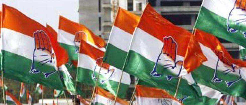 congerss workers create ruckus in indore polling station
