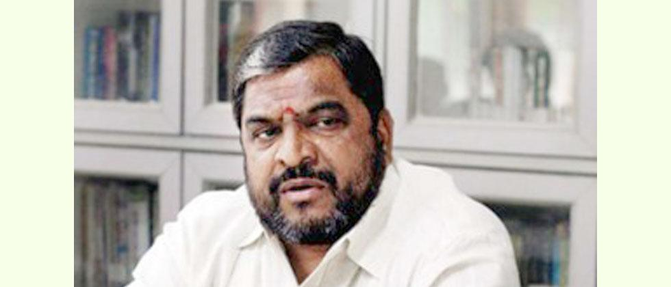 Ex MP and farmer leader Raju Shetti admitted in private hospital in pune