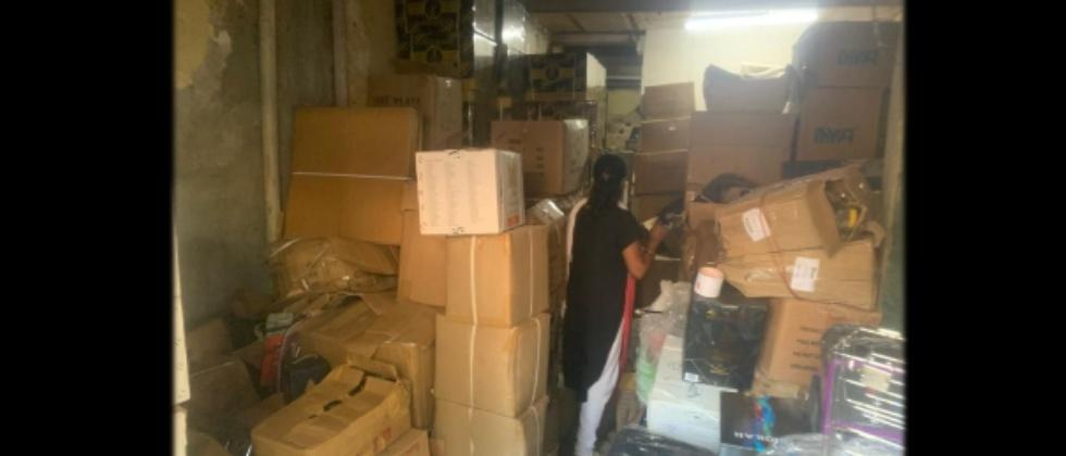 Mumbai Police Confiscated Hukkah Flavors from Goregaon