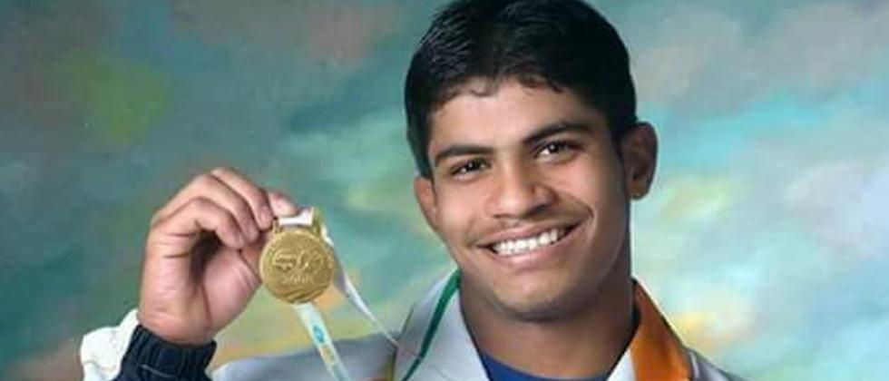 Wrestler Rahul Aware Gives Two Lack Rupees to CM Fund