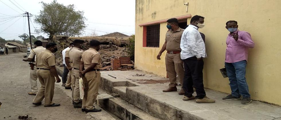 Two groups clash in Maan taluka over illegal sand subsidence; Death of two in Narwane