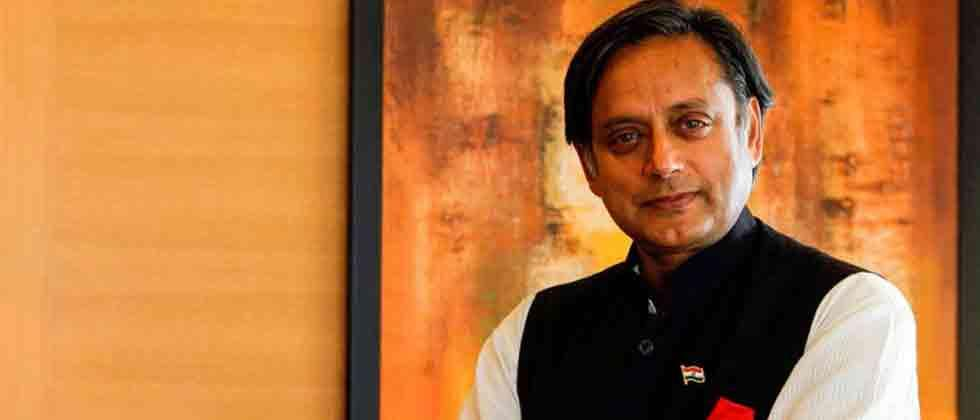 congress leaders shahi tharoor and anand sharma defended manmohan singh